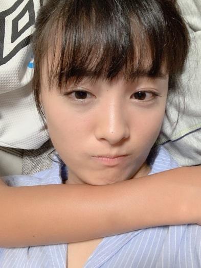 大友花恋 弟の膝枕
