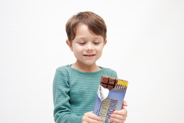 チョコレート 賞味期限切れ 白い